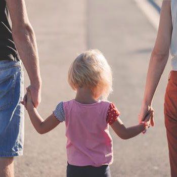 Nevelőszülő, gyermekvédelmi szolgálat